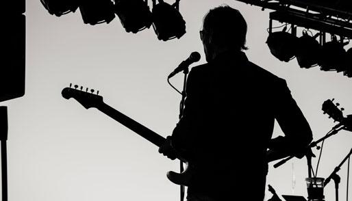 Post image Top 5 Famous Guitarists David Gilmore - Top 5 Famous Guitarists
